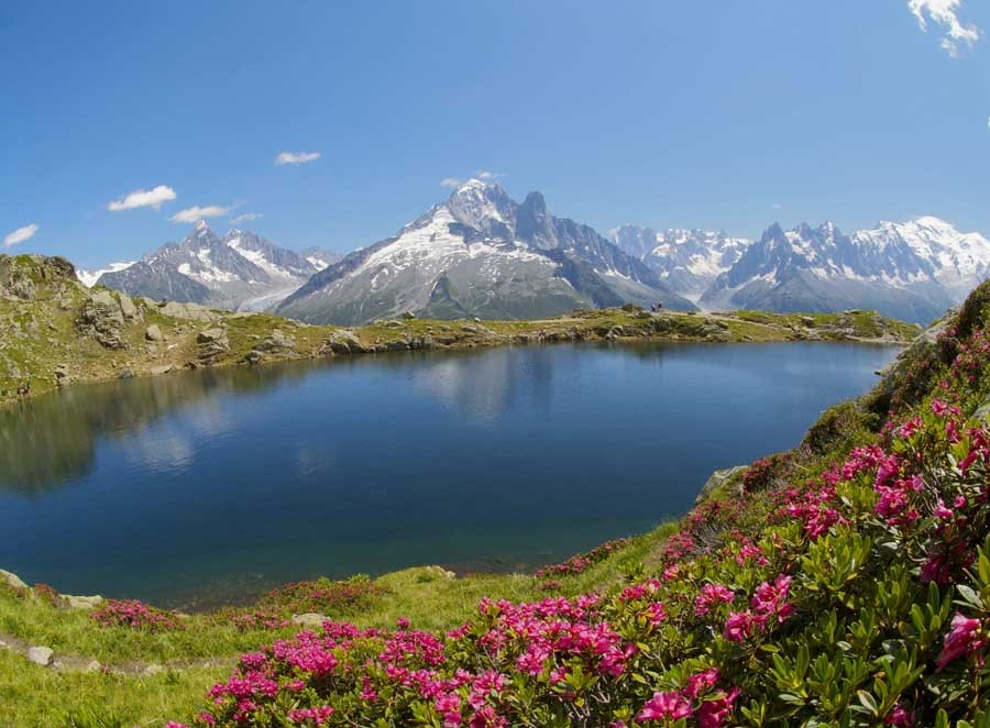 Un des lacs de Chesery dans le secteur du Tour, d'Argentière et de la Verte dans le Massif du Mont Blanc - Panorama sur le petit lac d'Annecy depuis le Roc de Cher