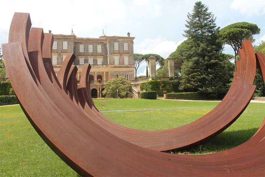 Sculpture de Bernar Venet