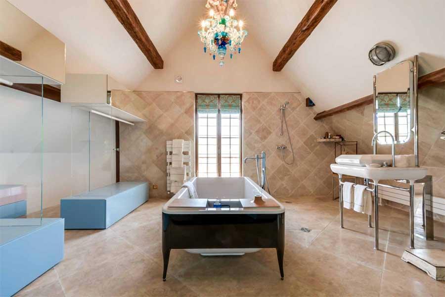 Salle de Bains Suite Besharat