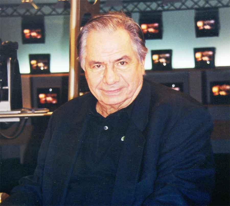 Michel Galabru sur le plateau de la chaîne d'information i-télé, le mercredi 10 novembre 1999. Photo : Christian D'AUFIN