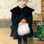 Normandie - Clémence Roth, Petite fille tenant une orange