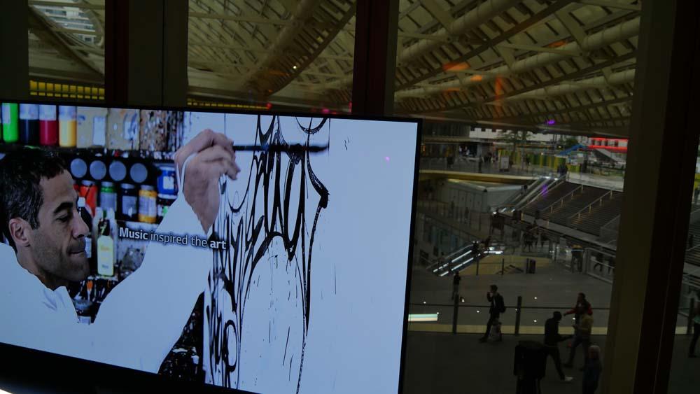 JonOne signe les LG Portable Speaker Art