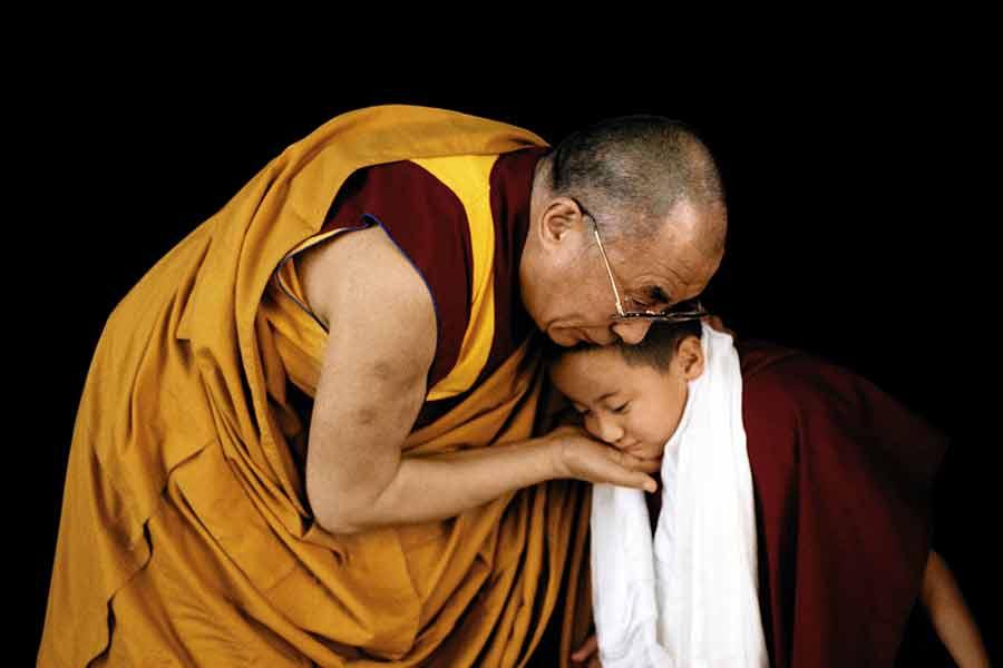 bouddhisme- de Foudre et de Diamant rend hommage au bouddhisme de tradition tibétaine.