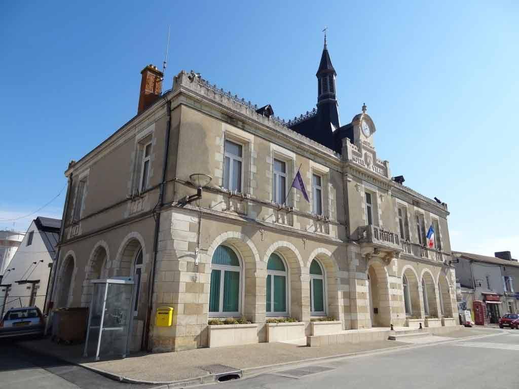 Mairie de Neuville du Poitou
