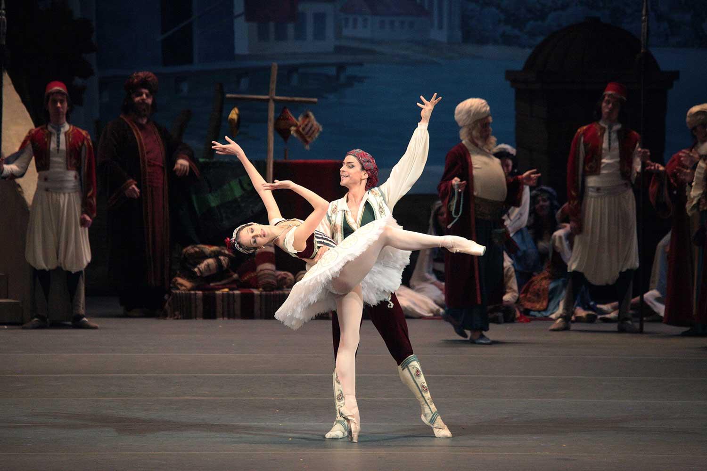 Ballet du Bolchoï - Daria Khokhlova Denis Medvedev Pas des esclaves by Damir Yusupov