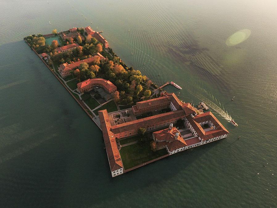 Venezia Photo - l'ile de San Servolo © Gaspar Matheron