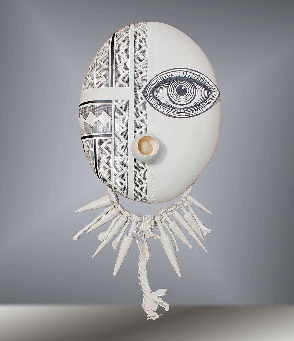 «Masque de Récits, Kaipo from Hawaï», 2018, acrylique sur bois, matériaux composites, 38x70cm @Elia-Pagliarino