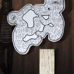 «RongoRongo», 2018, sculpture acrylique sur bois et métal, 105x175x35 cm @Elia-Pagliarino