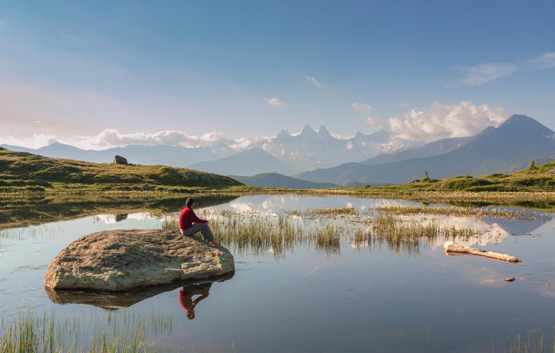 Lac Guichard, vue sur les Aiguilles d'Arves