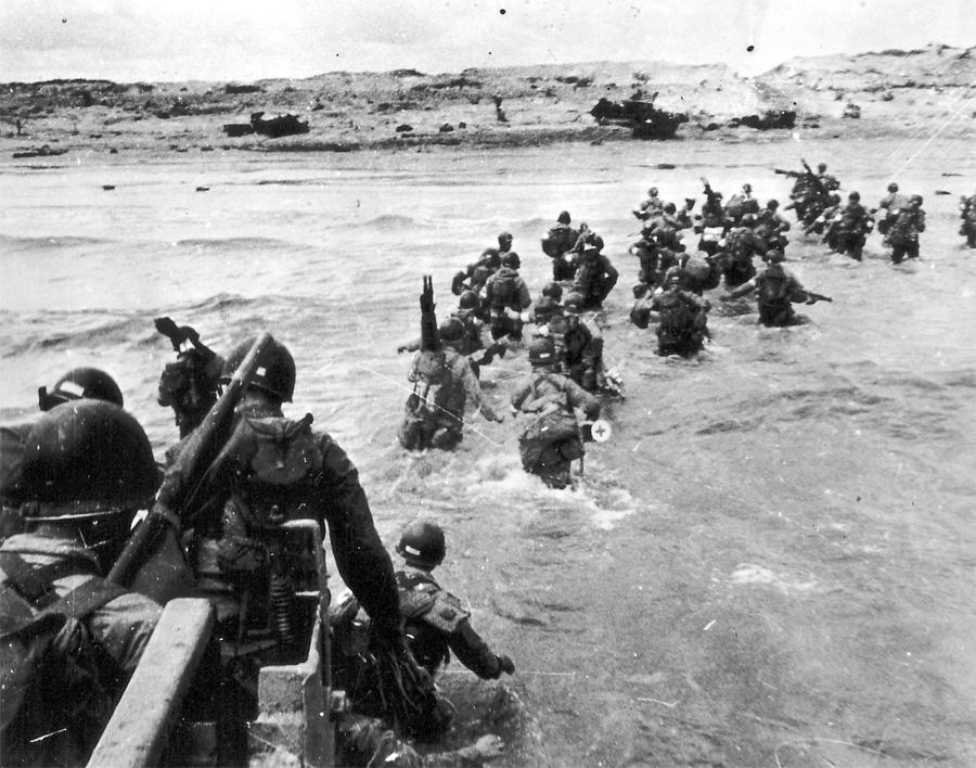 Le Jour J : 6 juin 1944, les troupes alliées débarquent sur les plages normandes