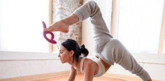 Faire du yoga avec un vibromasseur